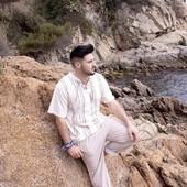 ¿El mar? ¡El mar!  Los colores de la #CostaBrava son únicos. Tierra de contrastes.  ¿Te gusta nuestra colección de primavera? ¿Y nuestro modelo?  www.mediterraneanwear.com  #beige #arena #rocas #contrastes #estilomediterraneo #camisetas #pantalonescomodos #saramarc  #mediterraneanwear  #MyLloret