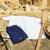 ¡Feliz inicio de semana a todos! ☀️  ¿Qué os parece esta camisa 👕 blanca?   El blanco siempre esta de moda y en verano es el color más agradable de llevar.  #mediterraneanwear #verano #camisas #ropablanca #ropaibicenca #camisablanca #vacaciones #costa #vacaciones #playa #Costabrava #lloretdemar #lloret #Calonge #calongeisantantoni #picoftheday #shoot #style #styleinspiration